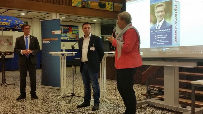 Bild v.l.n.r.: Dr. Christos Katzidis, stv. CDU GV Vorsitzender Manfred Lütz, Bürgermeisterin Petra Kalkbrenner
